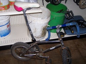 A fun little bike that Scott rode around the shop to impress us! It was impressive!