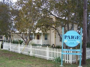 Paige Manor B and B on 290 in Paige, Texas - Stop in and visit with Chrysa